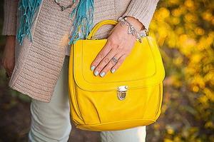 Желтые сумки